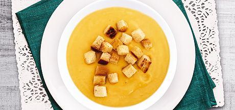 Zeleninová polévka s krutony