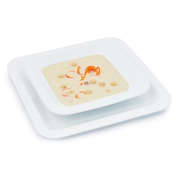 Polévka s drůbeží příchutí a krutony
